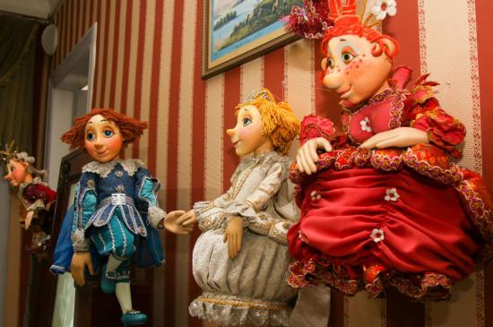 «Литература и куклы: французская история»