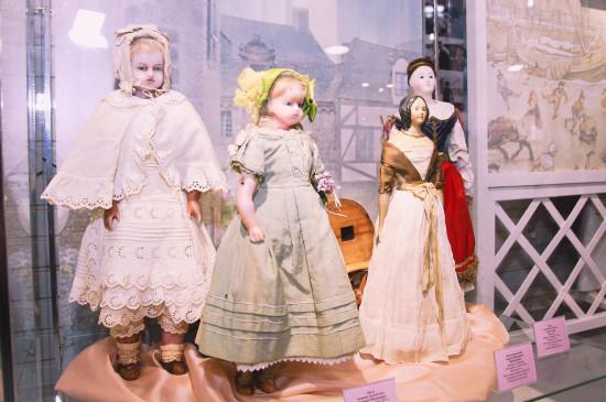 Открытие выставки «В куклы играют все»