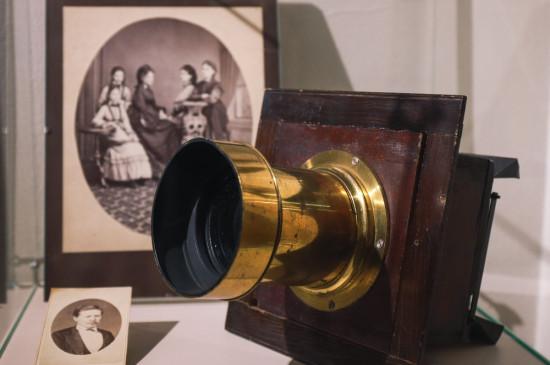 Экскурсия по выставке «Красноярская светолетопись»
