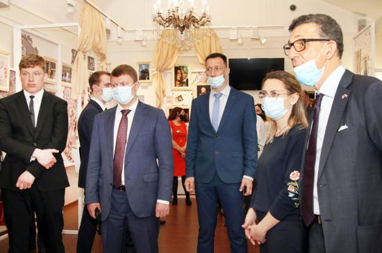 В Музее-усадьбе Г.В. Юдина открылся выставочный проект «Сибирь – Франция. История взаимоотношений»