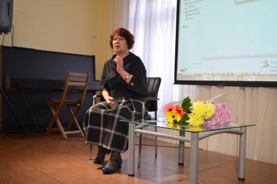Сотрудница музея Аделя Владимировна Броднева отмечает День рождения