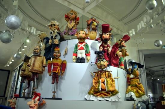 Выставка «Люди и куклы» в Литературном музее. 2018 год